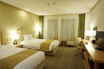Twin room @ Holiday Inn Alpensia Ski Resort